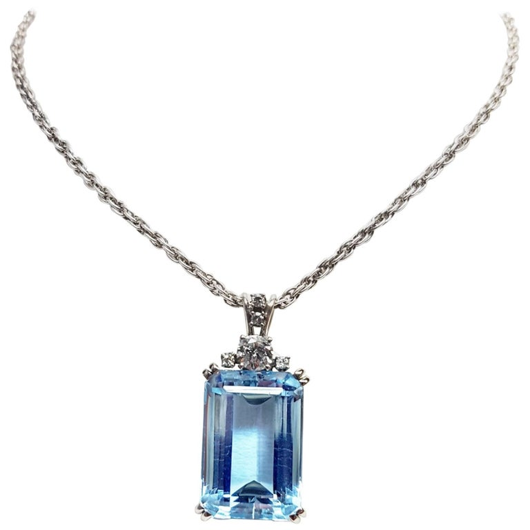 12 carat aquamarine diamond pendant at 1stdibs 12 carat aquamarine diamond pendant for sale aloadofball Image collections