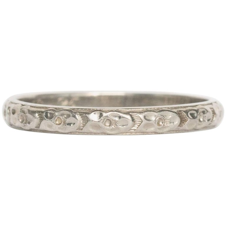 1920s Art Deco Engraved White Gold Wedding Band Ring For Sale