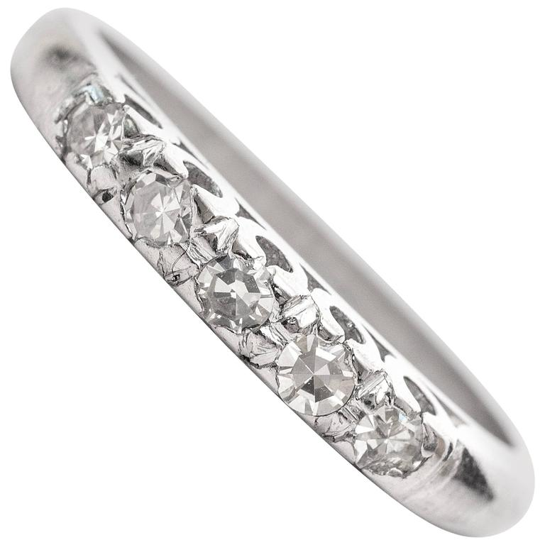 1920s Art Deco .10 Carat Diamond Platinum Wedding Band