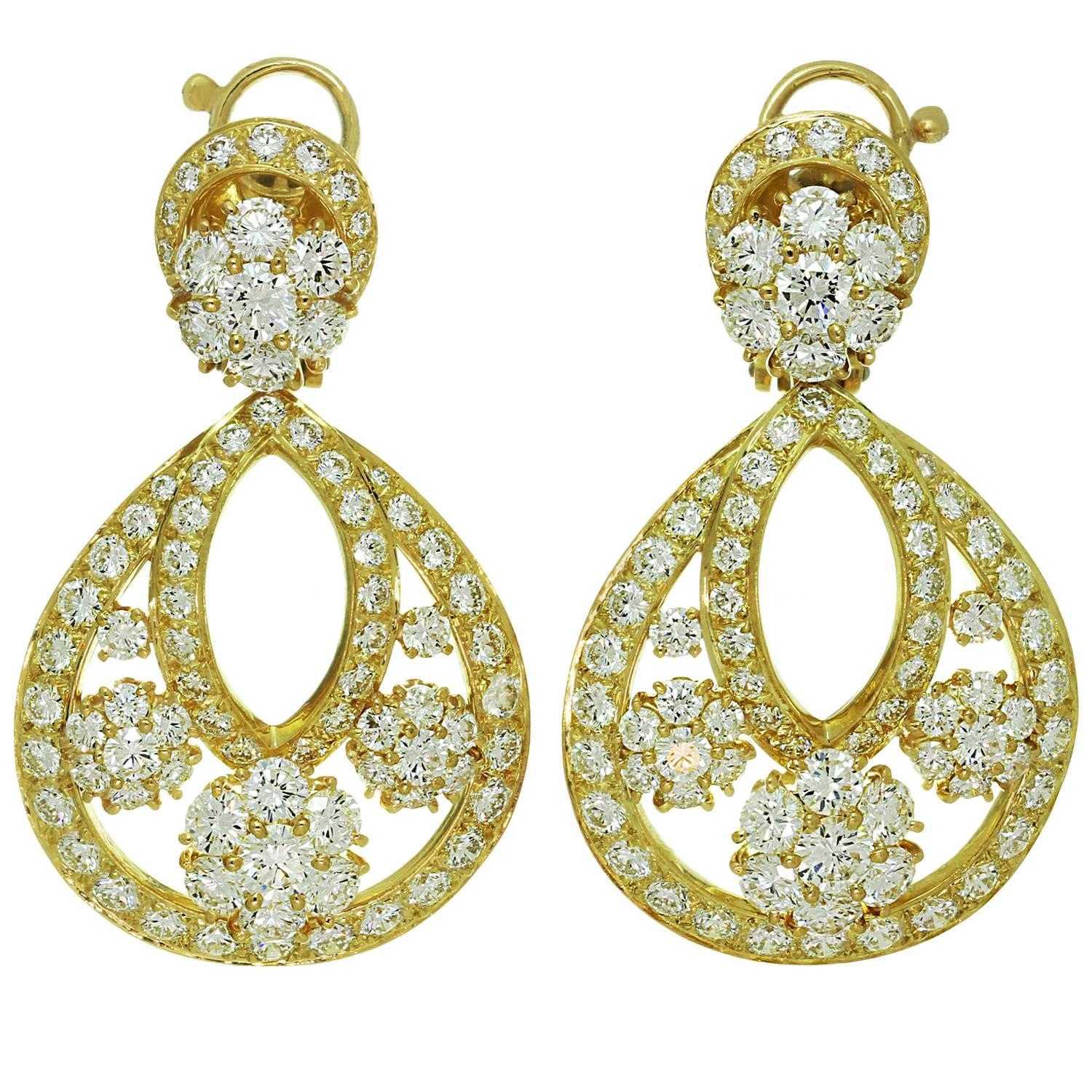 Van Cleef And Arpels Snowflake Diamond Yellow Gold Clipon Drop Earrings  For Sale At 1stdibs