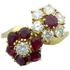 Van Cleef & Arpels Ruby Diamond Yellow Gold Flower Ring