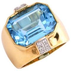 Large 13.80 Carat Blue Topaz Diamond Yellow Gold Cocktail Ring