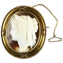 Antique Victorian 15 Carat Gold Cameo Brooch, circa 1860
