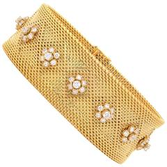 1950s French Diamond Blossoms Woven Mesh Gold Bracelet