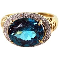 Magnificent Apatite Diamond Yellow Gold Ring
