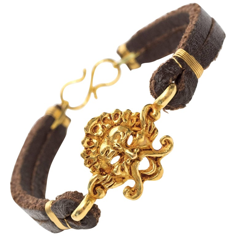 1980s 22 Karat Yellow Gold and Leather Handmade Bracelet
