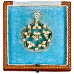 Antique Victorian Boxed Pendant Scottish 15 Carat Gold