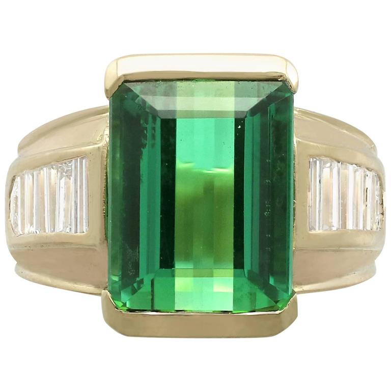 1990s 6.20 Carat Tourmaline and Diamond Yellow Gold Cocktail Ring For Sale