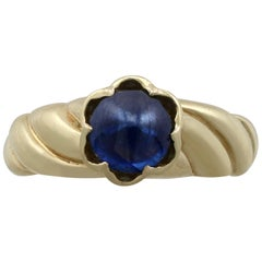 1980s 1.22 Carat Sapphire Yellow Gold Dress Ring