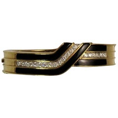 18 Karat Yellow Gold and Platinum, Diamond and Black Onyx Bangle Bracelet