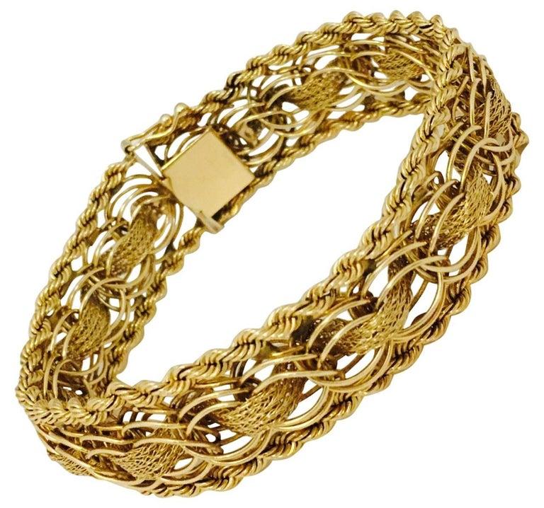 Vintage Charming Charm Gold Bracelet