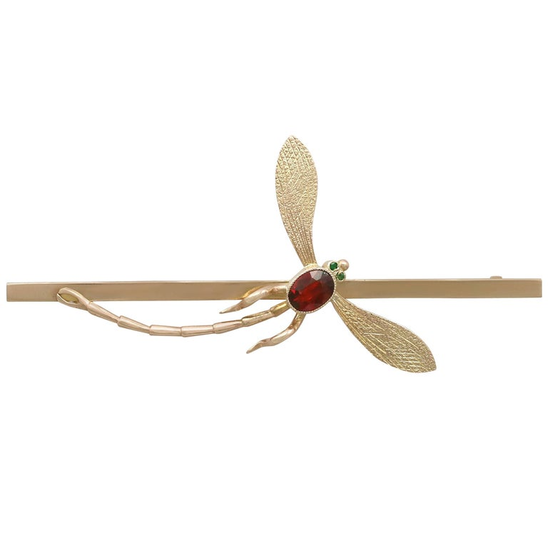 1910s Antique Emerald and Garnet 9 Carat Yellow Gold Dragonfly Brooch
