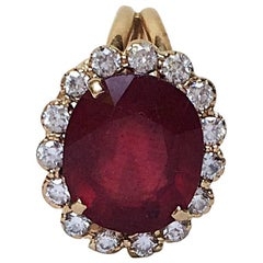 Marina J 18 Karat Gold Ring with Large Ruby and Fine Old Cut Diamonds