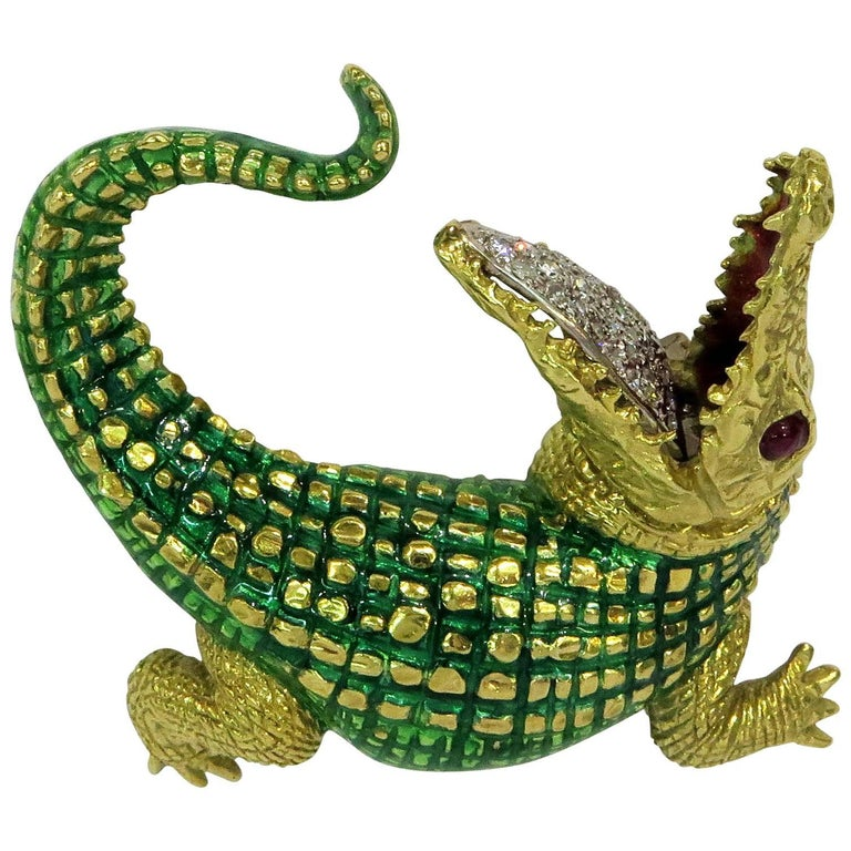 Incredibly Detailed Diamond Ruby Enamel Gold Alligator Pin For Sale
