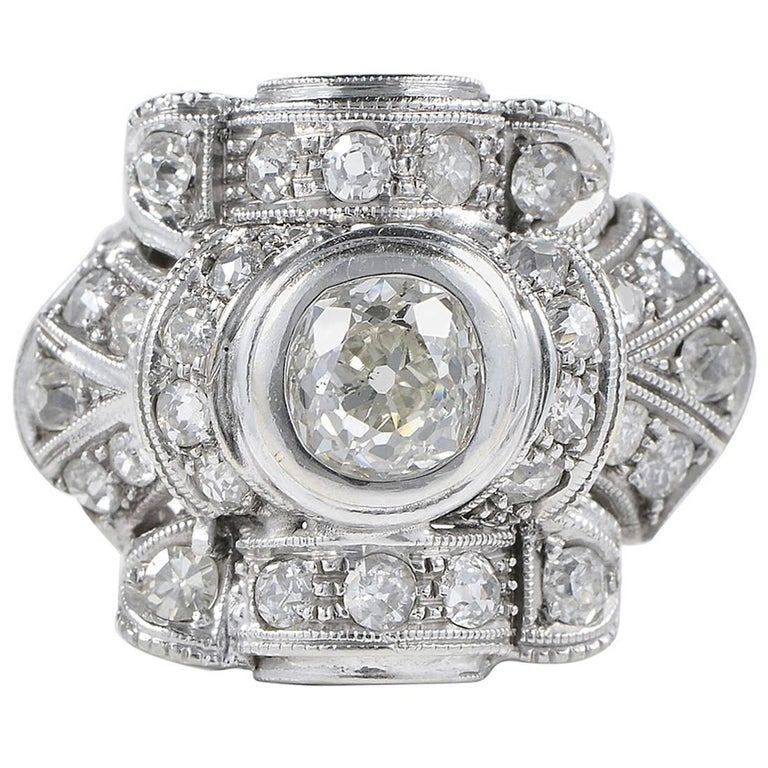 Art Deco 1.75 Carat Diamond Platinum Ring