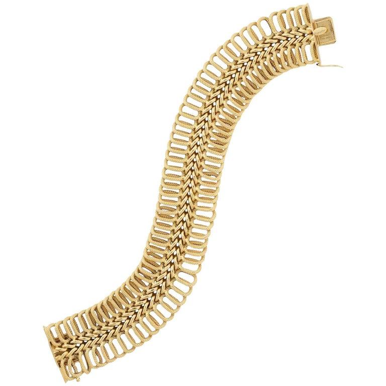 Textured Link Yellow Gold Bracelet