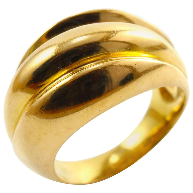 1970s 18K Gold Wave Ring