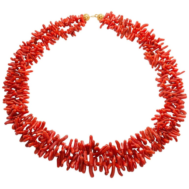 Fine Sardinian Branch Coral Necklace, Double Strands, 18 Karat Gold Clasp