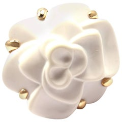 Chanel Camelia White Agate Gold Medium Flower Ring