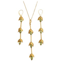 Classical Peridot Marquise Gold Pendant Earring Set