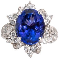 1980s Tanzanite and Diamond 14 Karat White Gold Ring