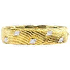 Roberto Coin Appassionata Collection Yellow Gold Diamond Bangle Bracelet