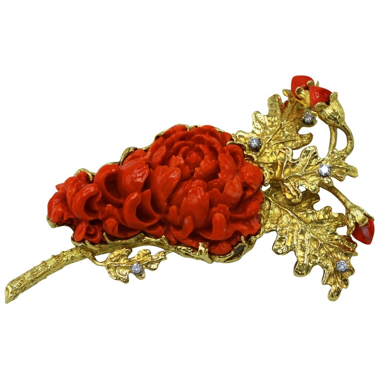 1960s Coral, Diamond and Gold Brooch