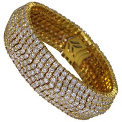 1970s Italian Diamond and Gold Bracelet