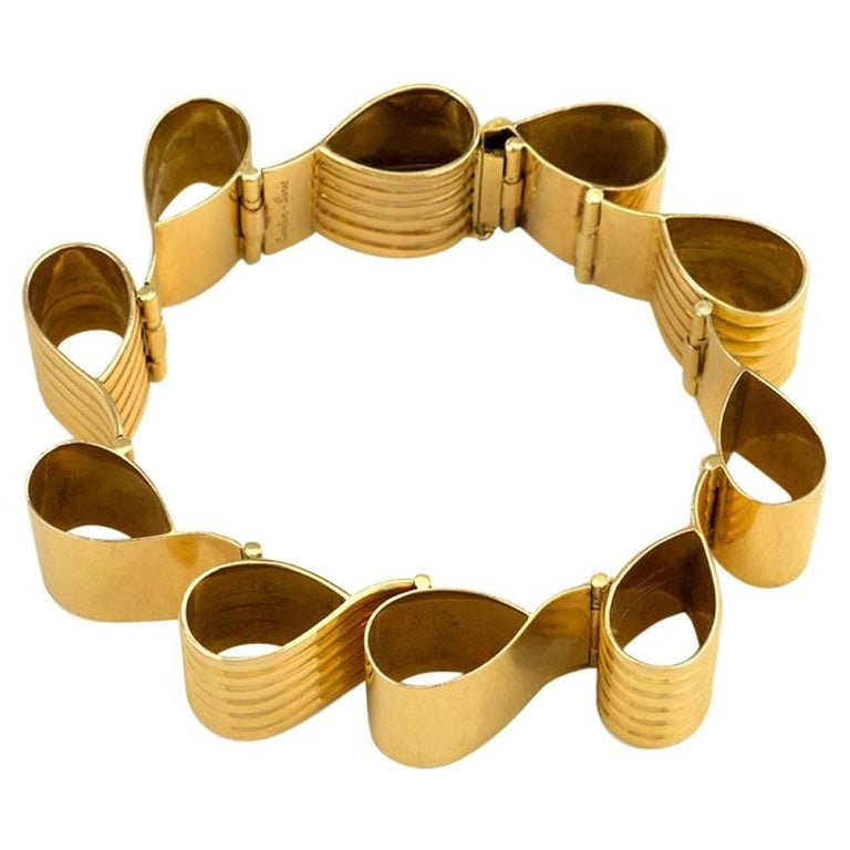 1940s Cartier Gold Ribbon Loop Bracelet 1