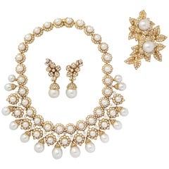 Impressive Diamond Cultured Pearl Gold Necklace Earrings Pin Set