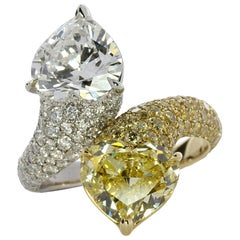 """""""Toi et Moi"""" Ring Fancy Yellow and Colorless Heart-Shapes Diamond Ring"""