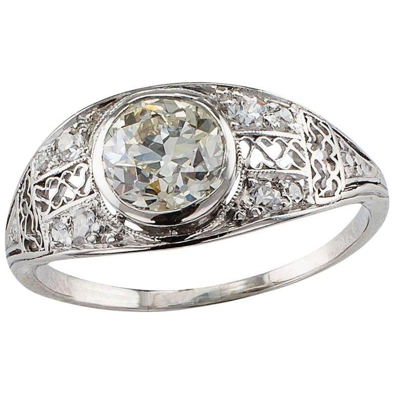 Edwardian Engagement Rings For Sale: Edwardian 1.05 Carat Diamond Platinum Engagement Ring For