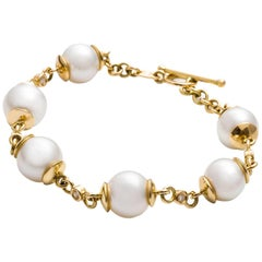 Kian Design 18 Carat Yellow Gold South Sea Pearl and Round Diamond Bracelet