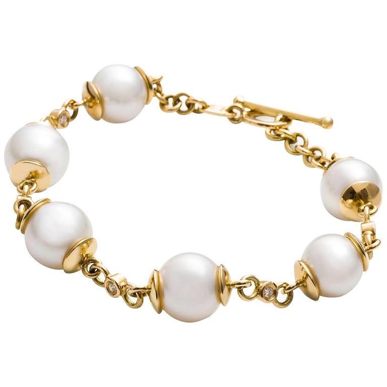 Kian Design 18 Carat Yellow Gold South Sea Pearl and Round Diamond Bracelet