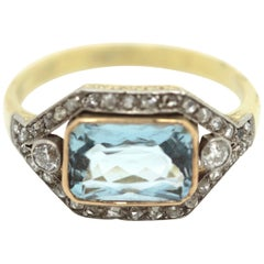 1920's Art Deco Aquamarine and Diamond Ring