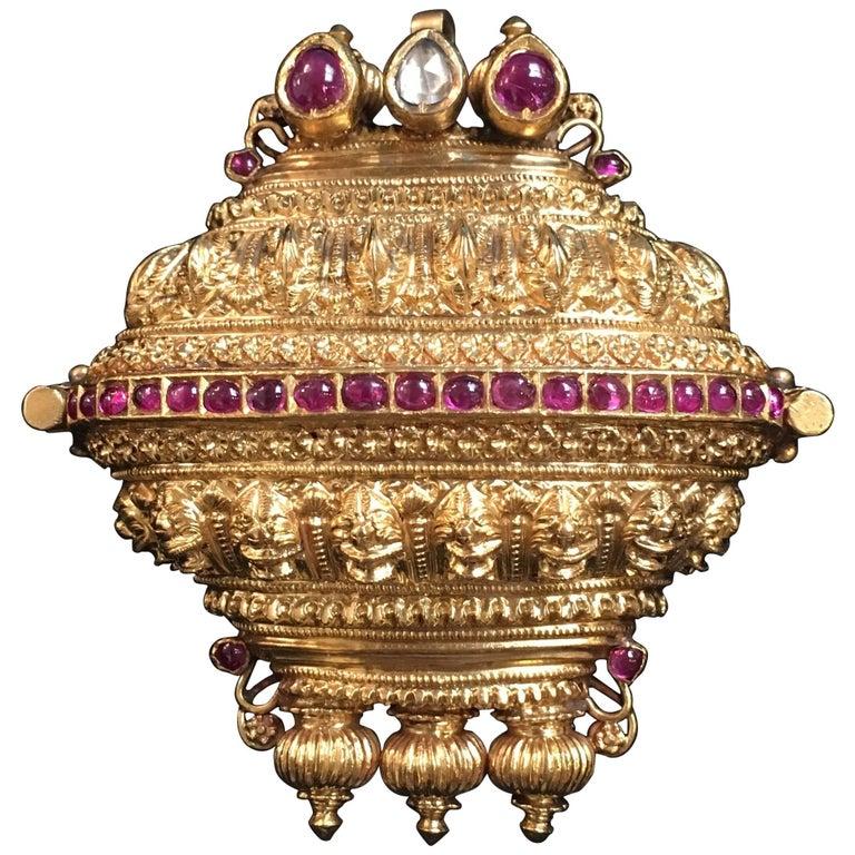 Tamil Nadu 19th Century Indian Gold Ruby Diamond Lingam Amulet Box