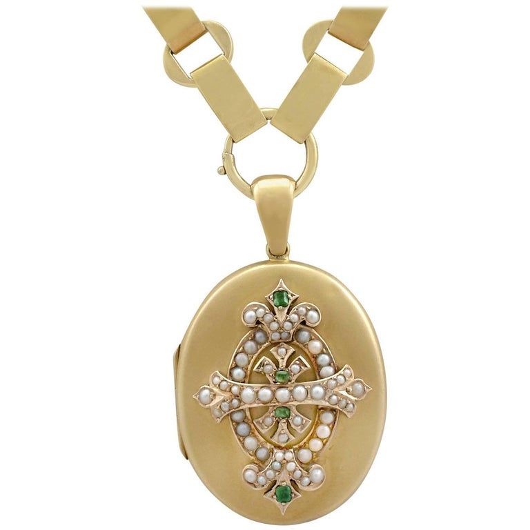 1880s Victorian Emerald and Seed Pearl Yellow Gold Locket
