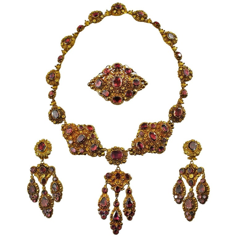 Antique Georgian 18K Gold Garnet Necklace Chandelier Earrings  Set Cannetille