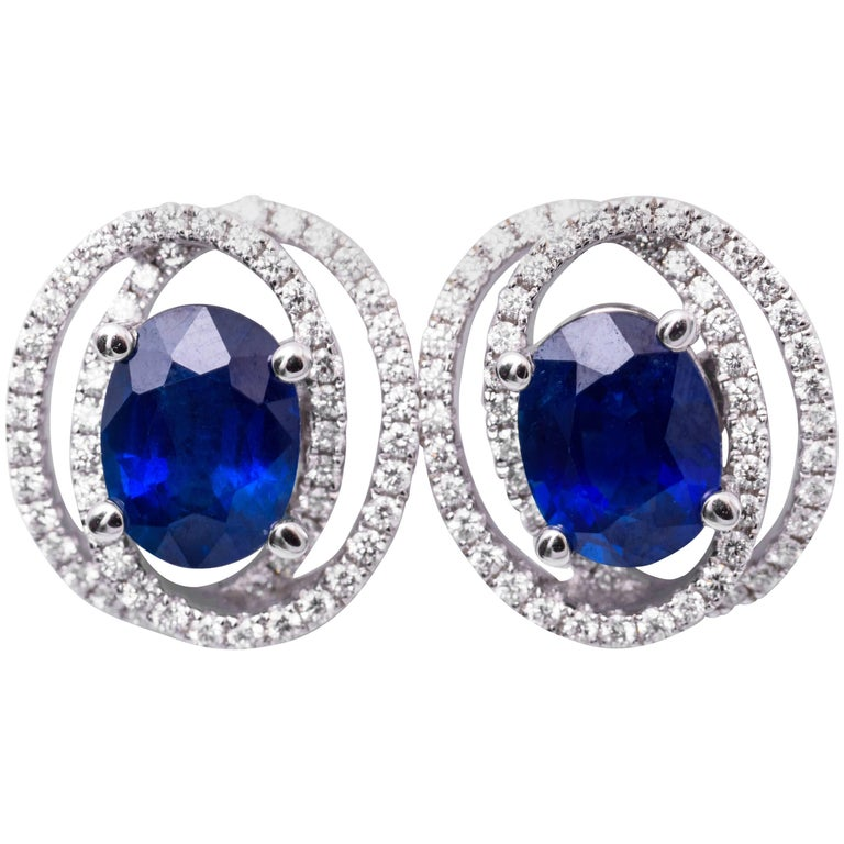 Diamond and Sapphire Studs Earrings For Sale