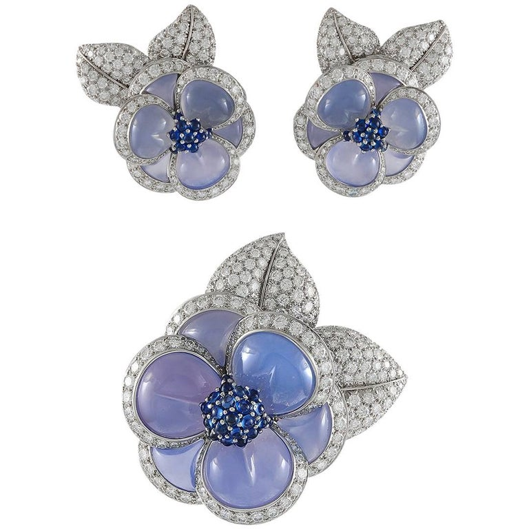 Van Cleef & Arpels Diamond Chalcedony  Sapphire Gardenia Brooch and Earrings 1