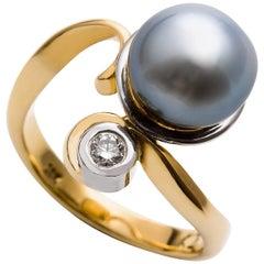 18 Carat Two-Tone Tahitian Pearl and Diamond Ring