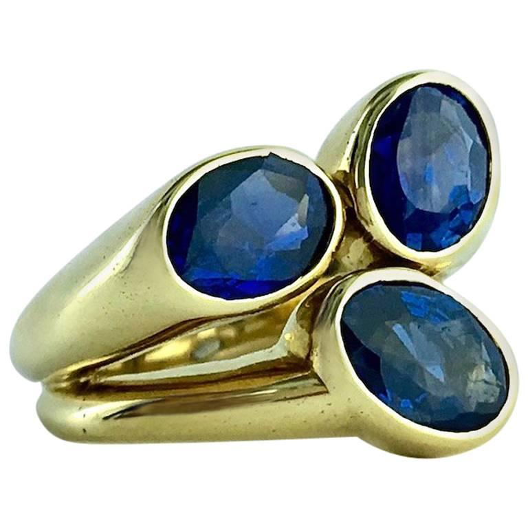 Sapphire and Yellow Gold Ring