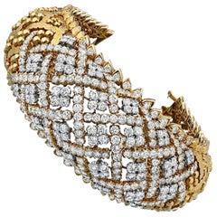 David Webb Geometric Lattice Work Design Gold Hammer Diamond Bangle