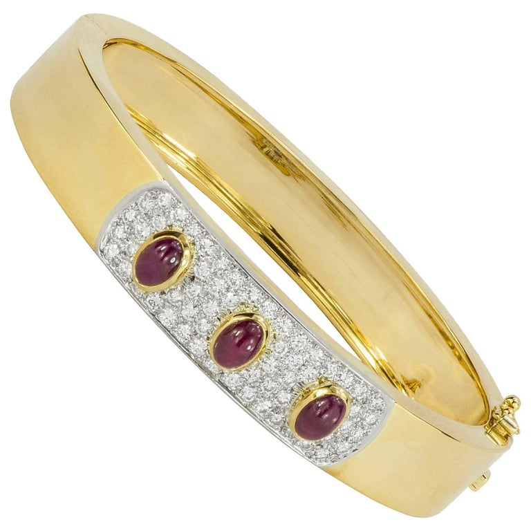 Cabochon Ruby and Diamond Yellow Gold Bangle Bracelet For Sale