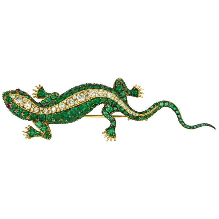 Emerald and Diamond Yellow Gold Lizard Brooch with Ruby Eyes For Sale