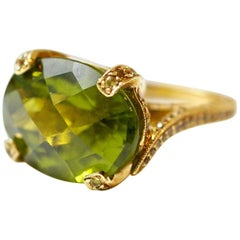 12.20 Carat Peridot and Yellow Sapphire Ring