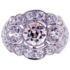 Belle Époque Three-Diamond Ring