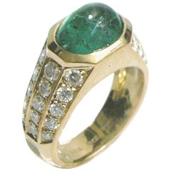 Cabochon Emerald 2.50 Round Diamonds 1.10 Yellow Gold Ring, circa 1960