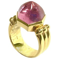 Ming's Yellow Gold Pink Tourmaline Cabochon Ring
