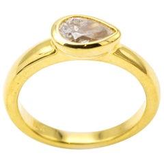 Modern Side Tear Drop Diamond Ring in 18 Karat Yellow Gold